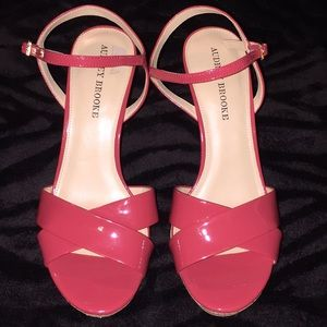 NWOT Audrey Brooke Sz 9 coral patent leather heels